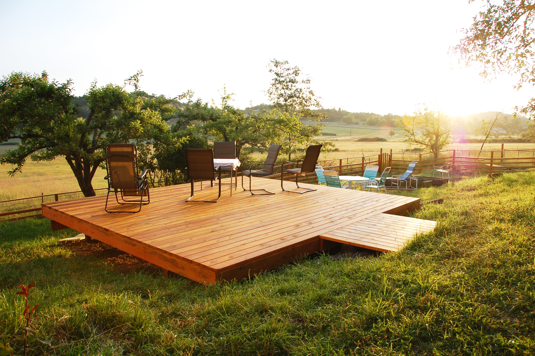 What is a freestanding deck and why would you want one for Wood deck designs free