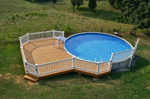 Deck around a pool