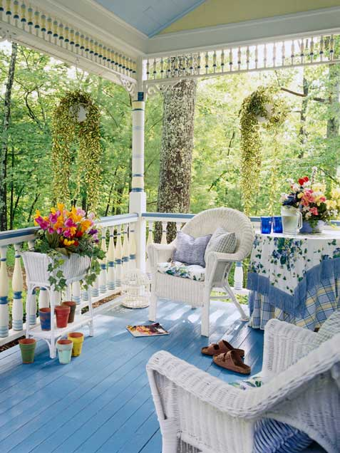 Front porches a pictorial essay suburban boston decks - Casas bien decoradas ...